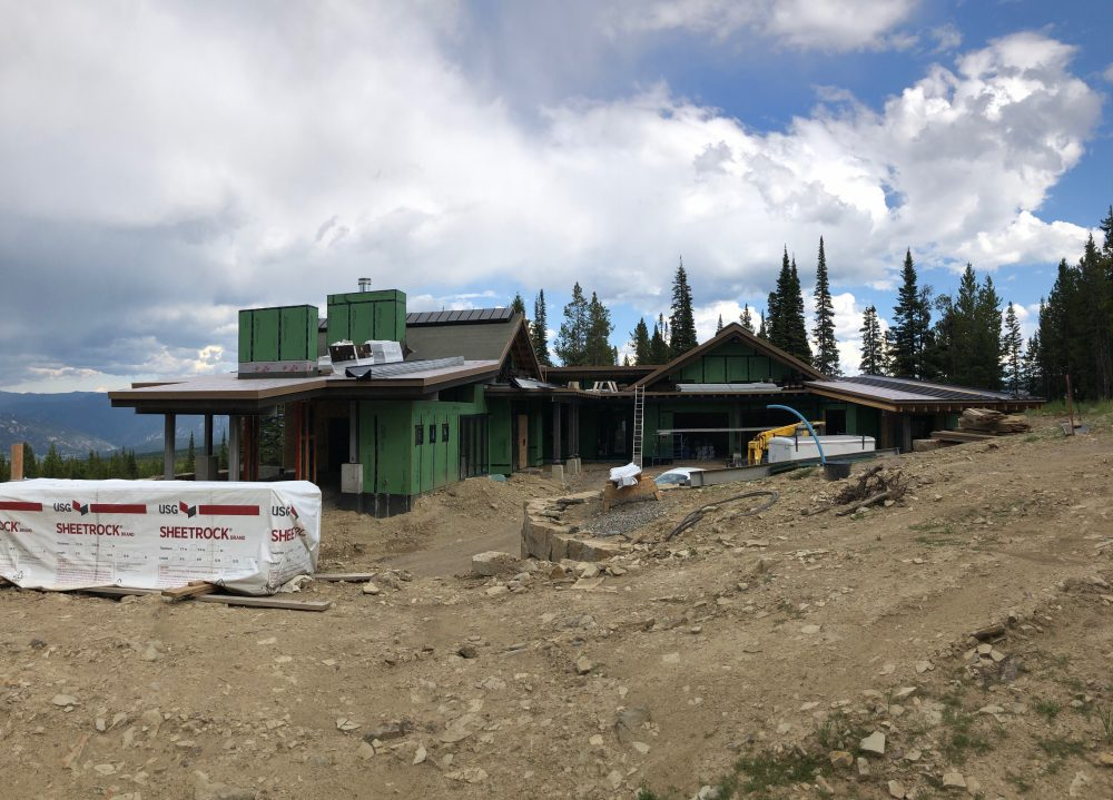 Front View of Elk Ridge 60