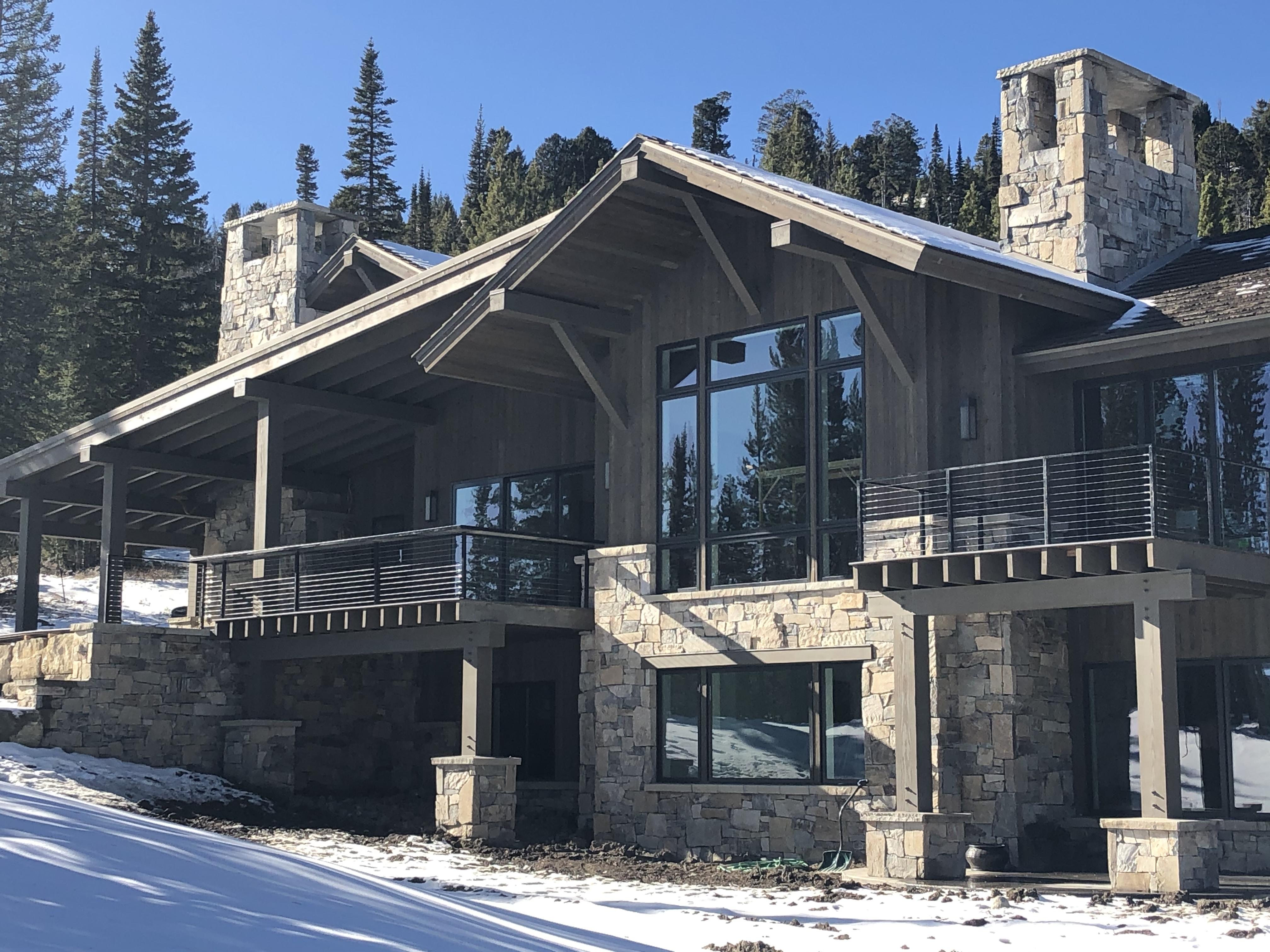 Ski Tip 14 Exterior